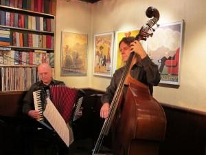 VirtuosenAkkordeon Alexandre Bytchcov und Kontrabass Frank Willi Schmidt, roi